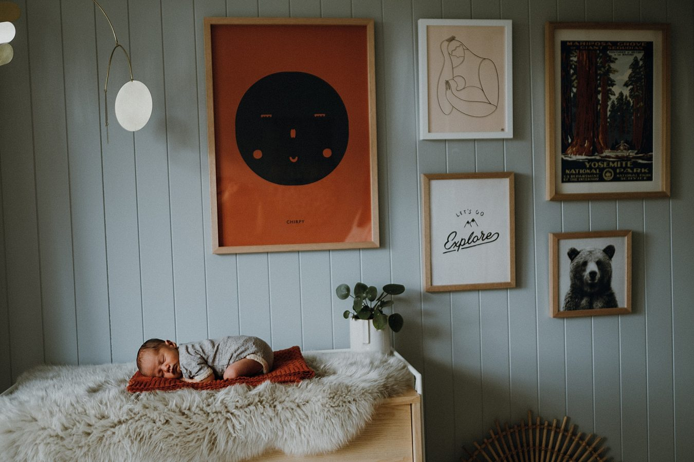 Newborn-in-home-session
