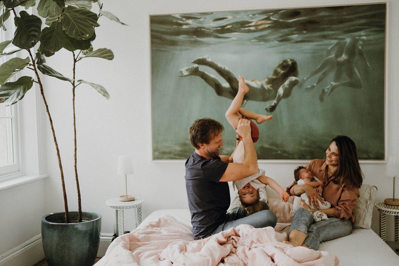 In-home-newborn-photoraphy-bedroom